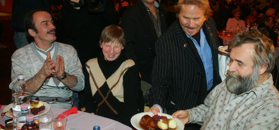 22. Weihnachtsfeier für Obdachlose und Bedürftige im Estrel Berlin